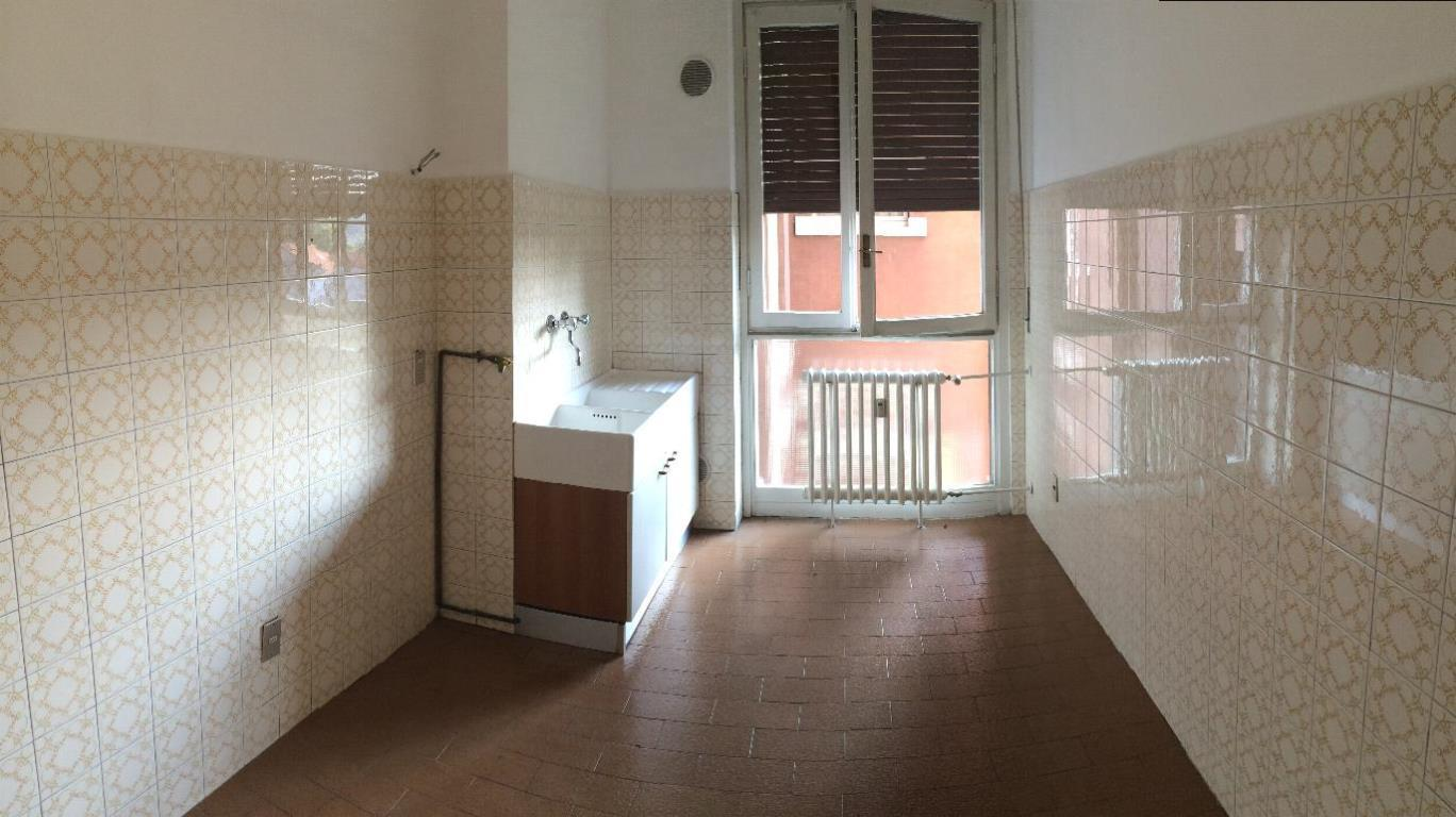 Bilocale Monza Via Castelfidardo 8 8