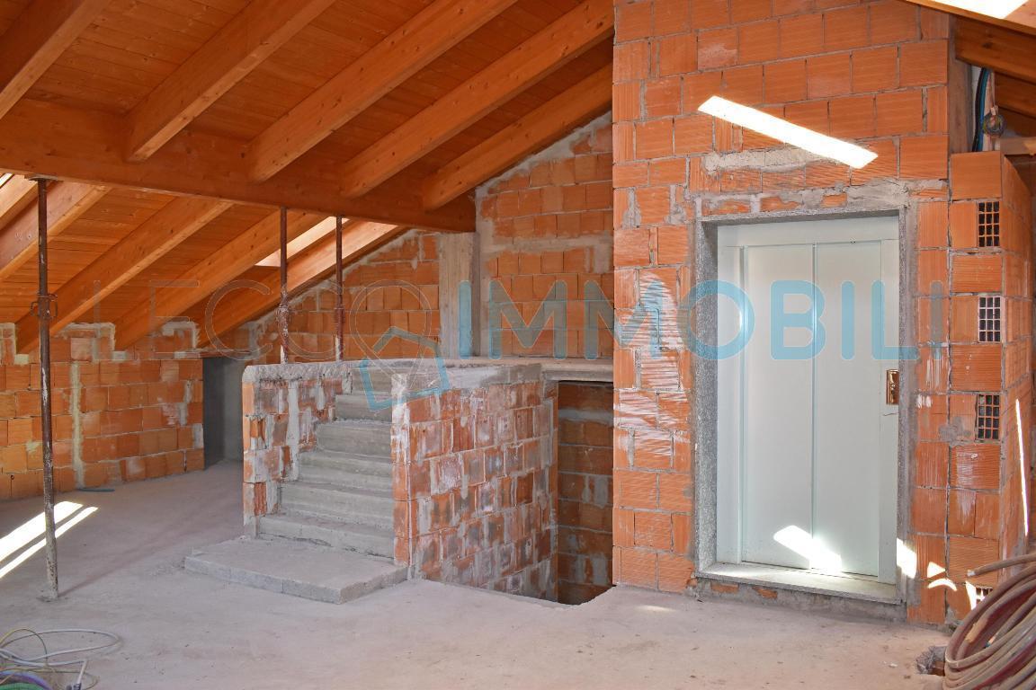 mansarda sottotetto soffitta solaio vendita lecco di metri quadrati 117 prezzo 225000 rif 69