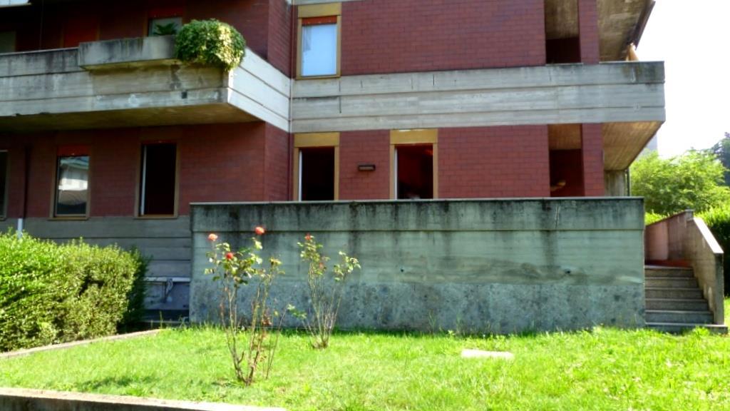 Appartamento in vendita a Cantù, 5 locali, prezzo € 232.000 | Cambiocasa.it