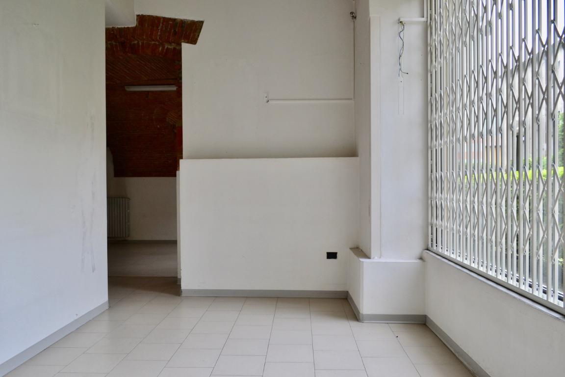 Negozio Affitto Caprino Bergamasco 3932