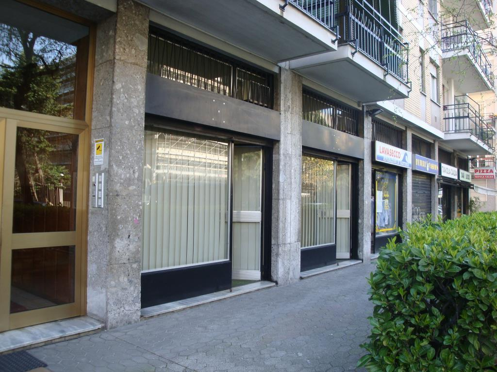 Negozio / Locale in vendita a Milano, 2 locali, zona Località: CORVETTO, prezzo € 150.000 | Cambio Casa.it