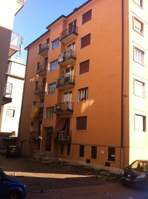 Appartamento in vendita a Varese, 3 locali, prezzo € 105.000 | CambioCasa.it