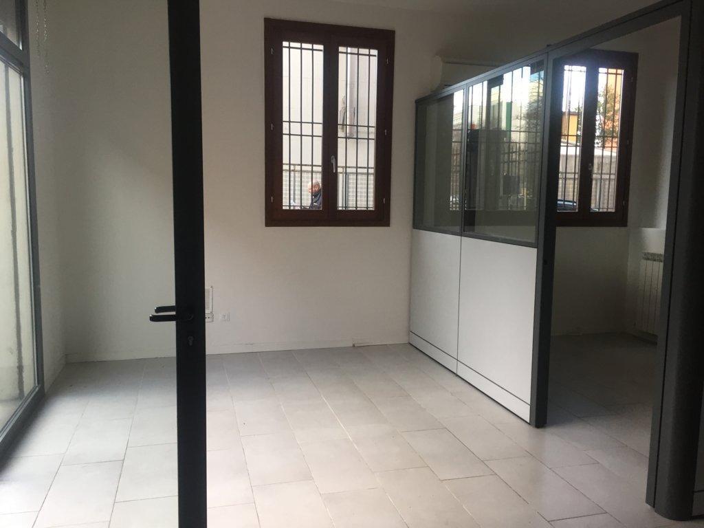 Negozio / Locale in affitto a Bologna, 1 locali, prezzo € 550   Cambio Casa.it