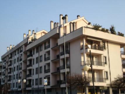 Bilocale Villasanta Piazza Europa 1