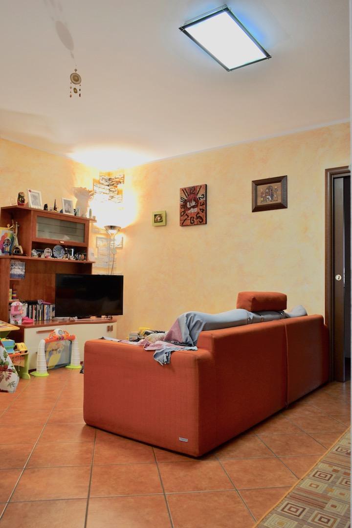 Appartamento in vendita a Caprino Bergamasco, 3 locali, prezzo € 167.000 | Cambio Casa.it