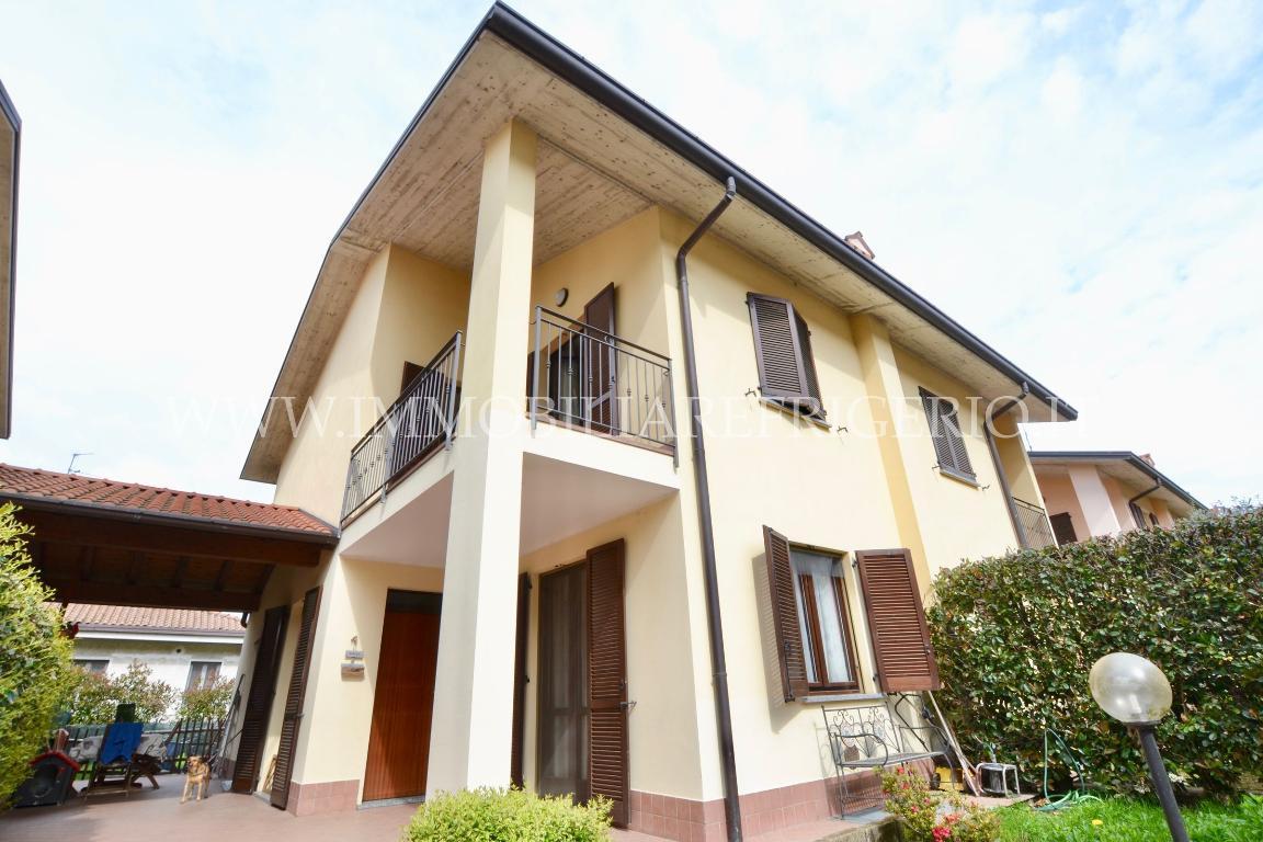 Vendita villa bifamiliare Brivio superficie 180m2