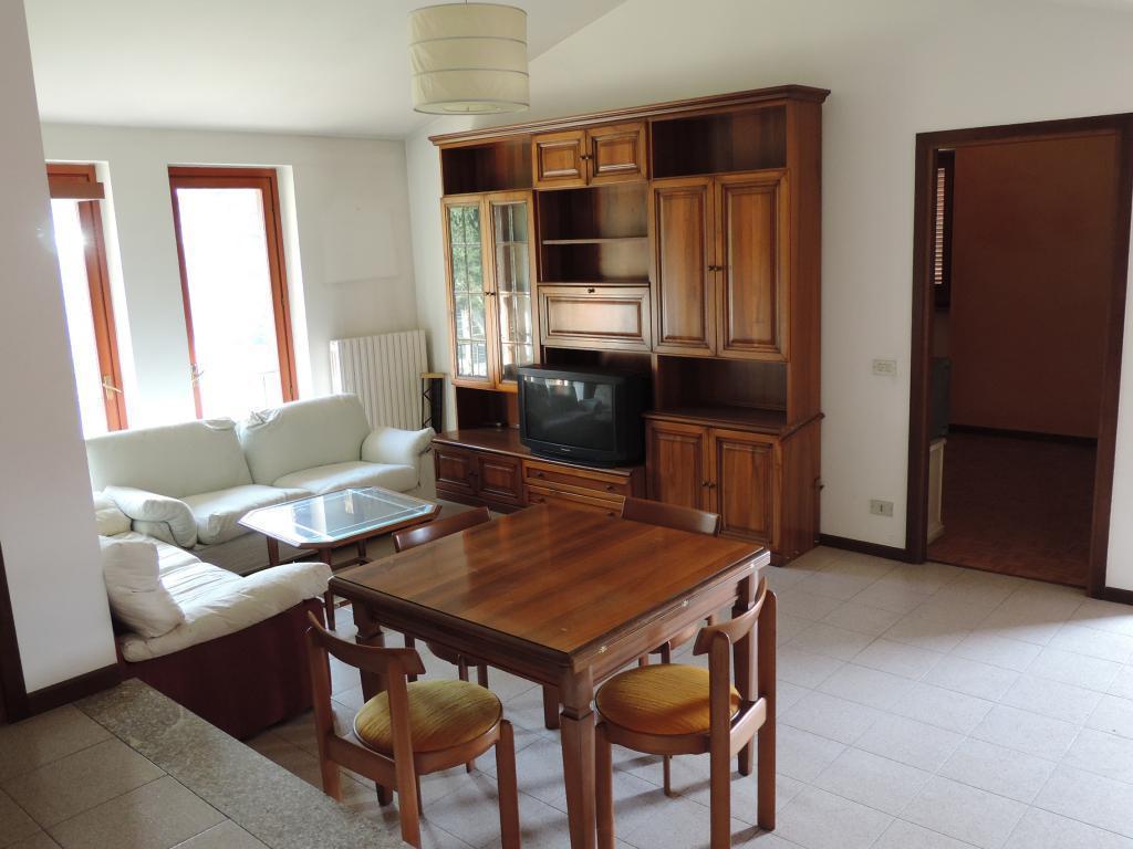 Appartamento in vendita a Caprino Bergamasco, 2 locali, prezzo € 85.000 | CambioCasa.it