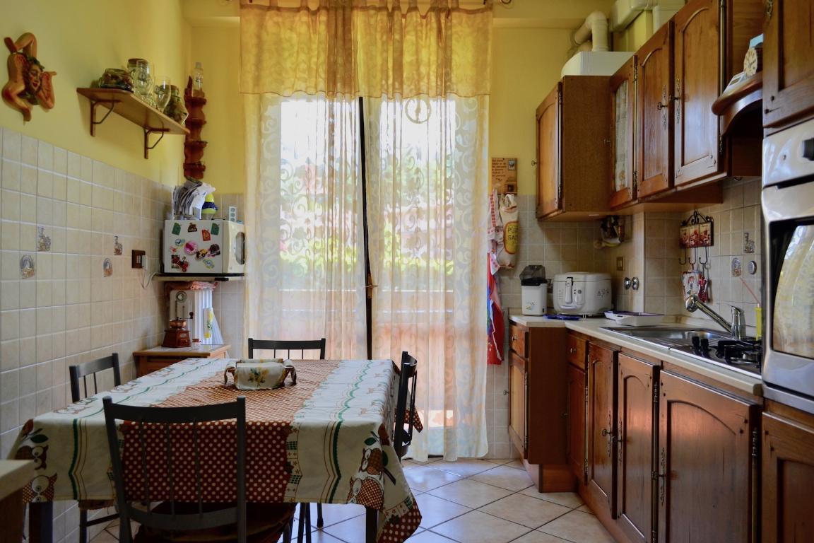 Appartamento in vendita a Caprino Bergamasco, 4 locali, zona Zona: Cava, prezzo € 113.000 | CambioCasa.it