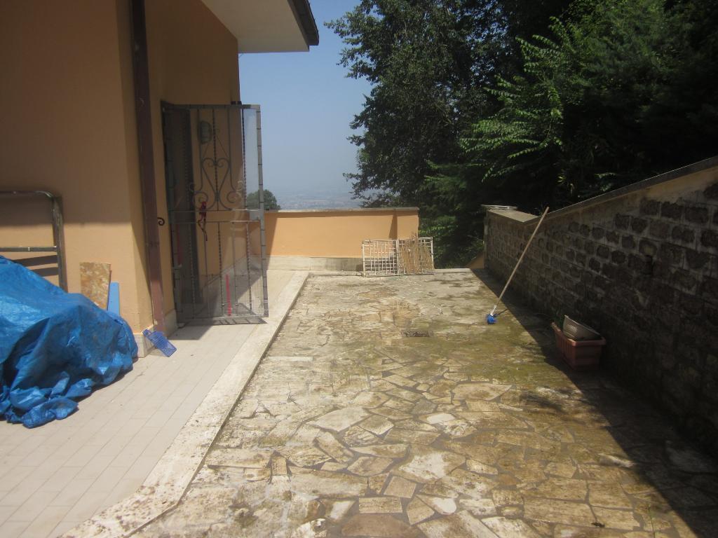 Bilocale Monte Porzio Catone Via Tuscolo 8