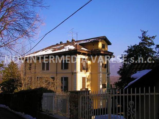 Appartamento in vendita a Castello Cabiaglio, 3 locali, prezzo € 88.000 | CambioCasa.it