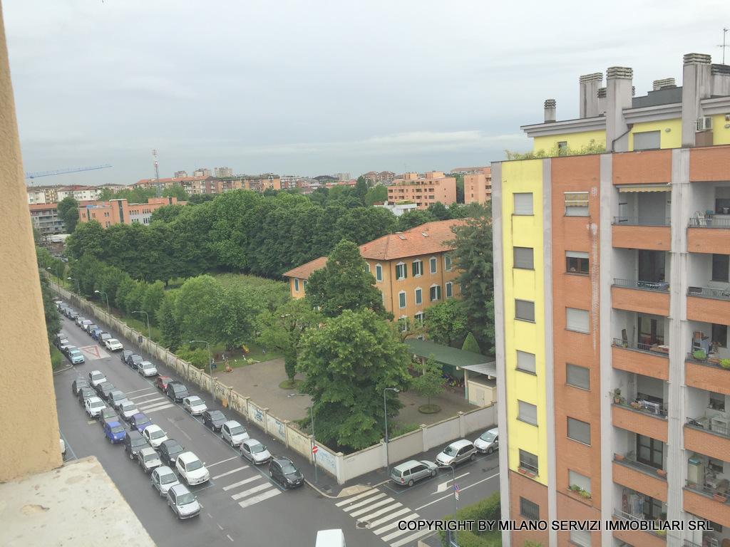 Bilocale Milano Via Esculapio 4 5