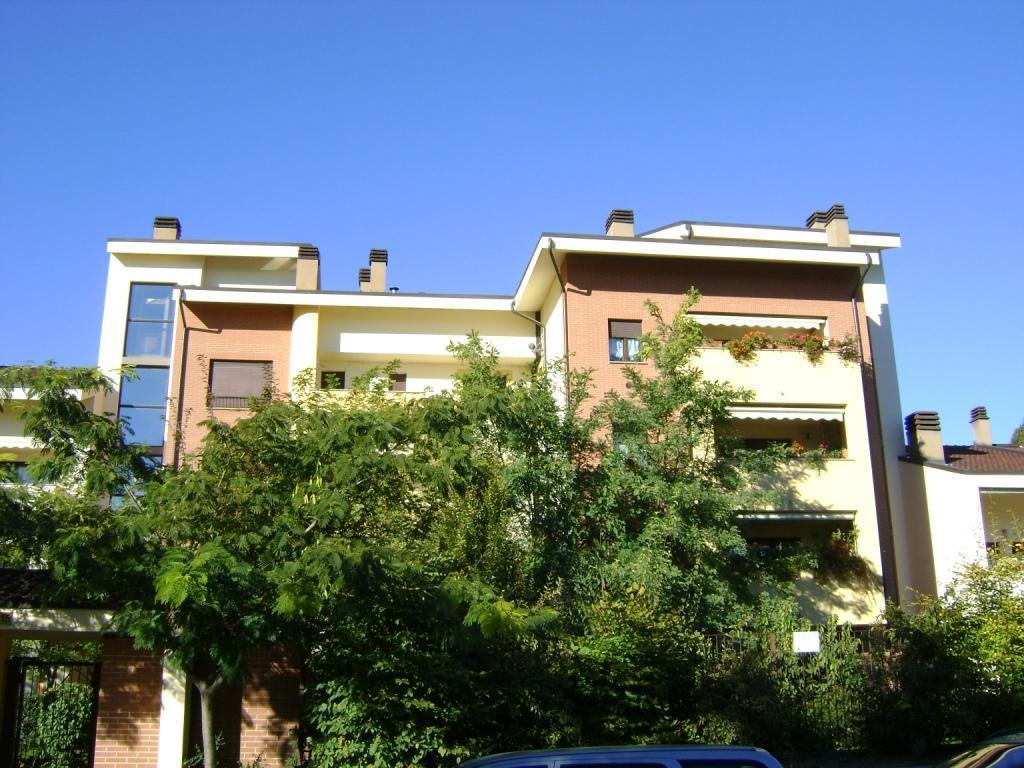 Appartamento in affitto a Monza, 3 locali, zona Località: REG. PACIS-SOBBORGHI-MENTANA, prezzo € 1.092 | Cambio Casa.it