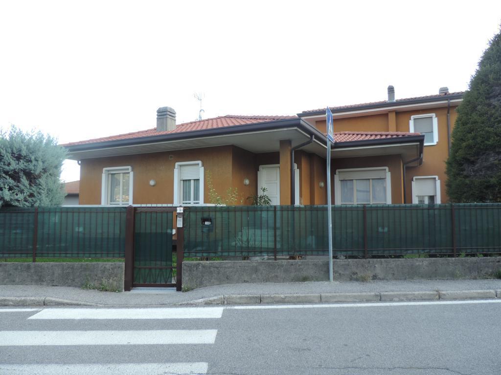 Villa a Schiera in Vendita a Olginate