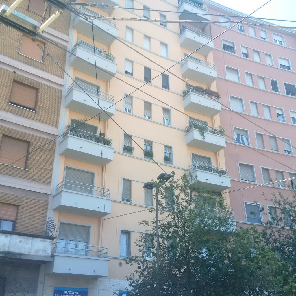Bilocale Milano Piazza Bottini 2