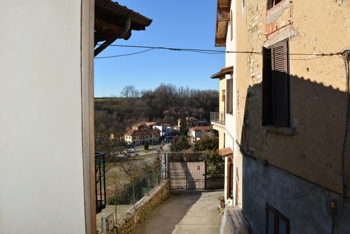 Bilocale Missaglia Via Alpi 19 9