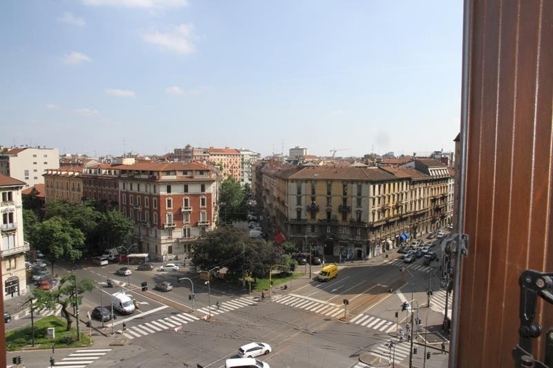 Bilocale Milano Piazza Caiazzo 5