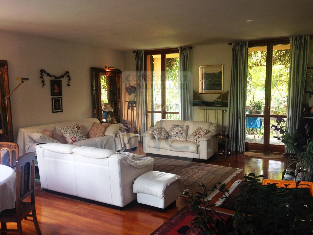 Villa in vendita a Cernusco sul Naviglio, 6 locali, zona Località: MILANO/CERNUSCO SUL NAVIGLIO/GOLF CLUB MOLINETTO, prezzo € 850.000 | CambioCasa.it