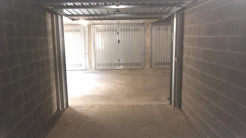 Box / Garage in vendita a Lesmo, 1 locali, Trattative riservate | Cambio Casa.it