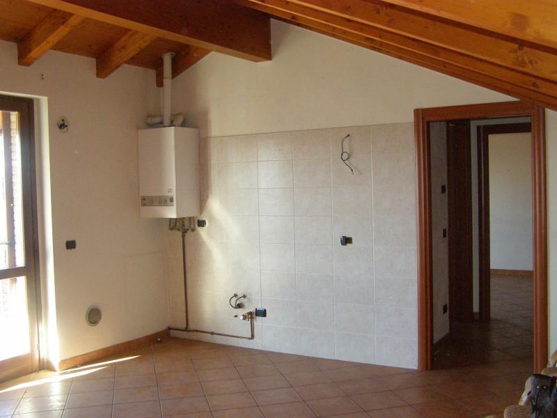 Bilocale Giussano Via Mameli 5 4