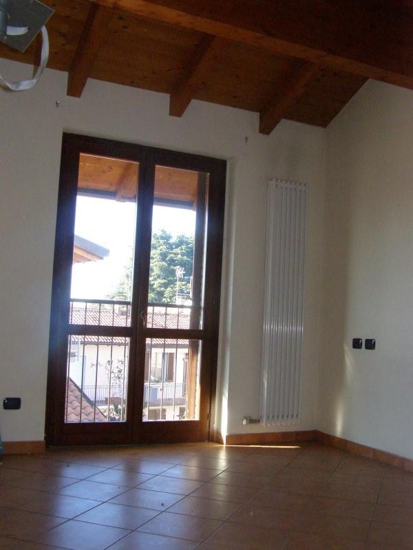 Bilocale Giussano Via Mameli 5 7