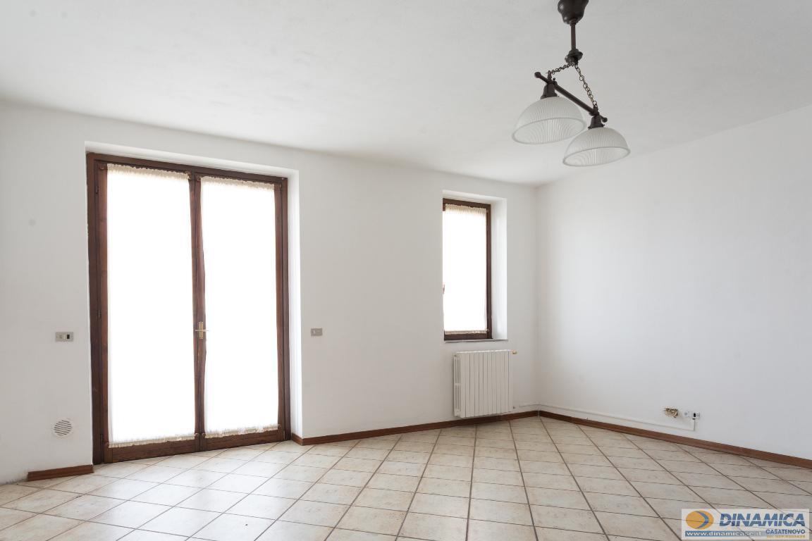 Appartamento in vendita a Casatenovo, 3 locali, zona Località: Frazione, prezzo € 110.000 | CambioCasa.it