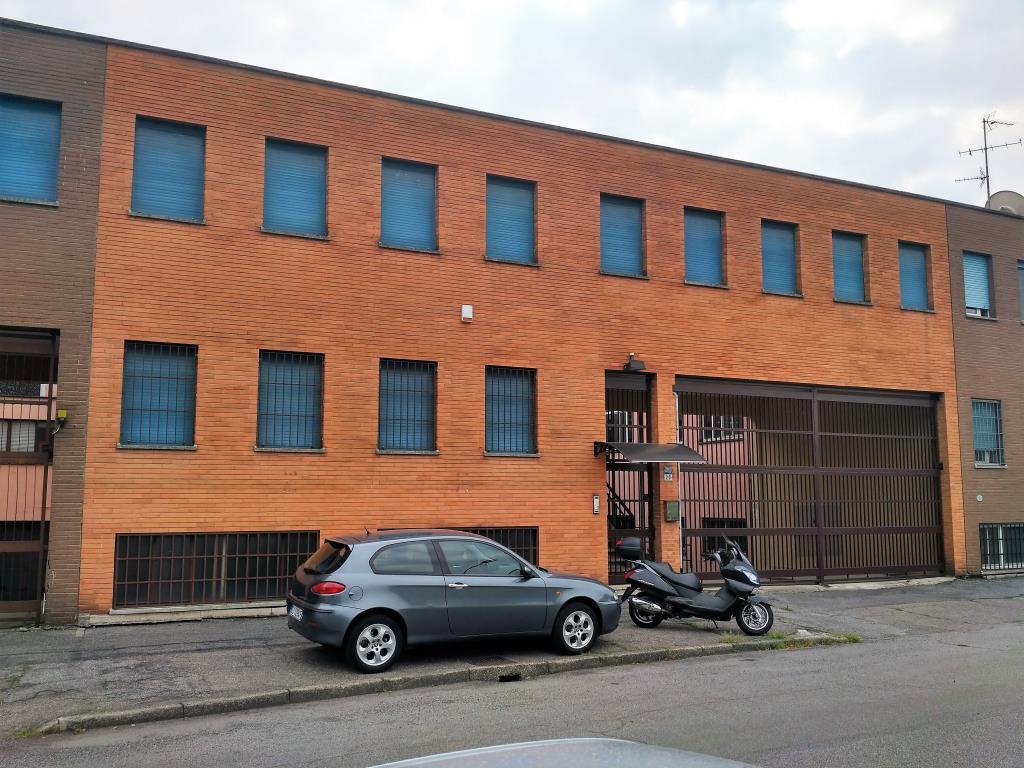Capannone in affitto a Sesto San Giovanni, 9999 locali, zona Località: confine cologno monzese, prezzo € 3.000 | CambioCasa.it