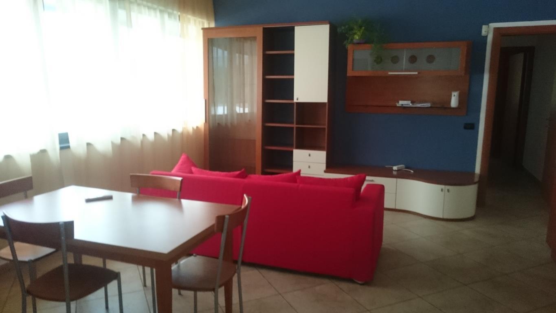 Appartamento in affitto a Cavallasca, 3 locali, zona Località: Industriale, prezzo € 600 | Cambio Casa.it