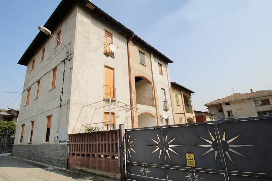 Bilocale Cogliate Via Adige 1