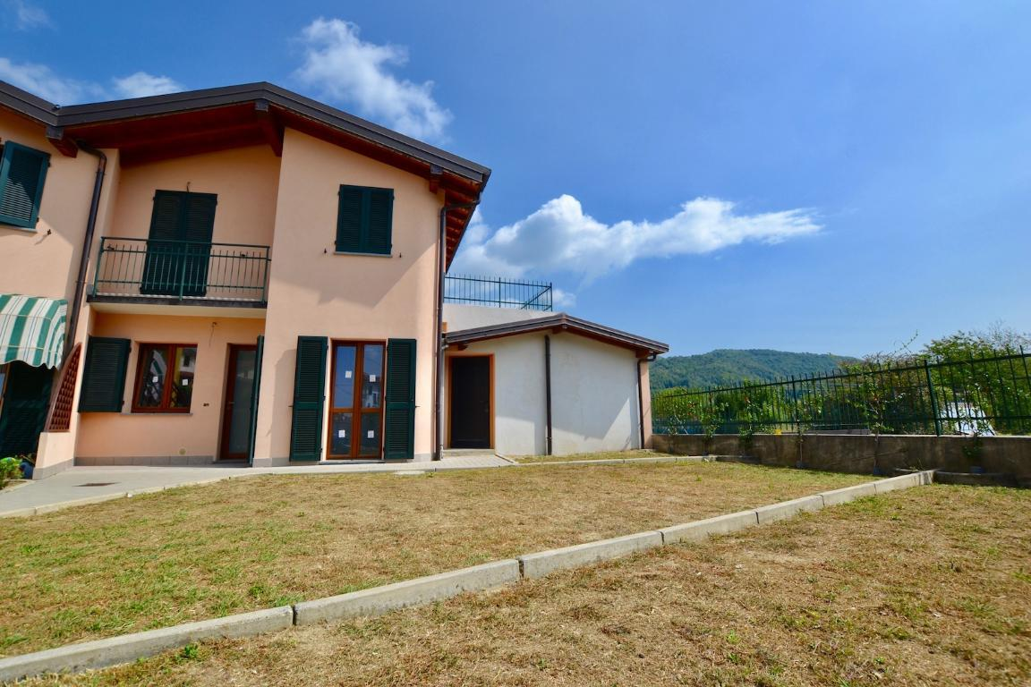 Villa a Schiera in Vendita a Caprino Bergamasco