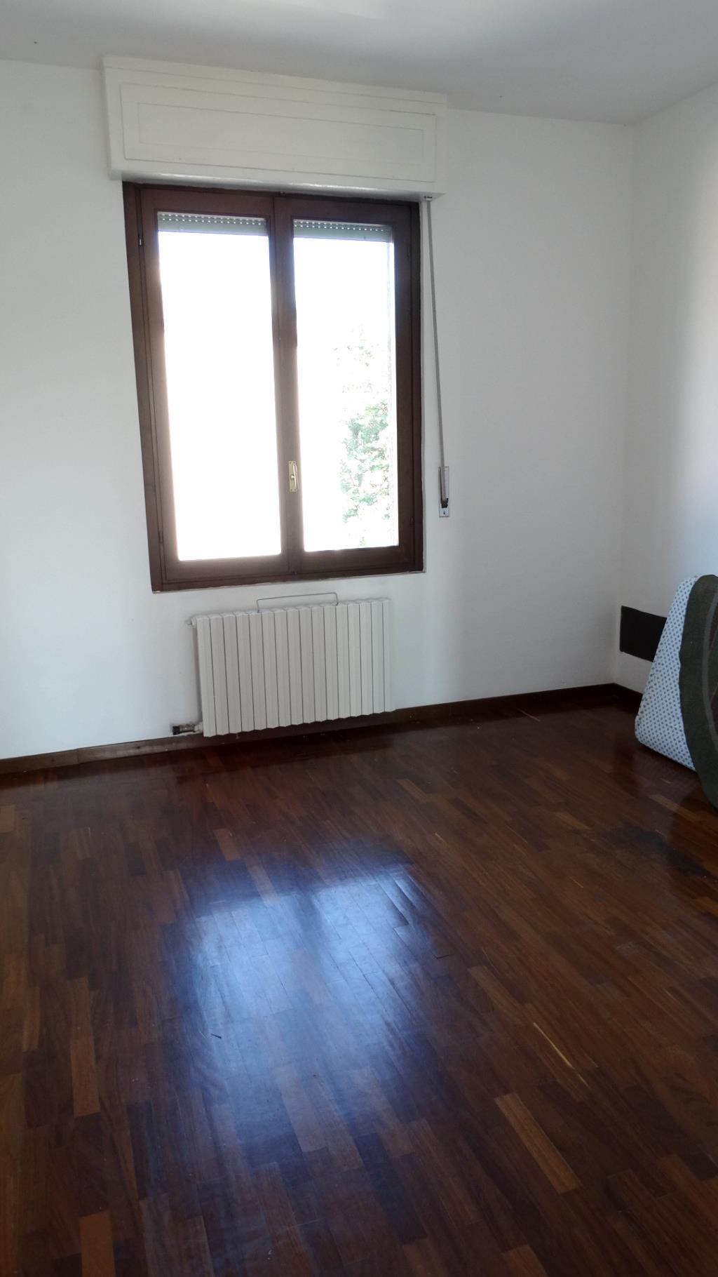 Bilocale Monza Via Borgazzi 144 4
