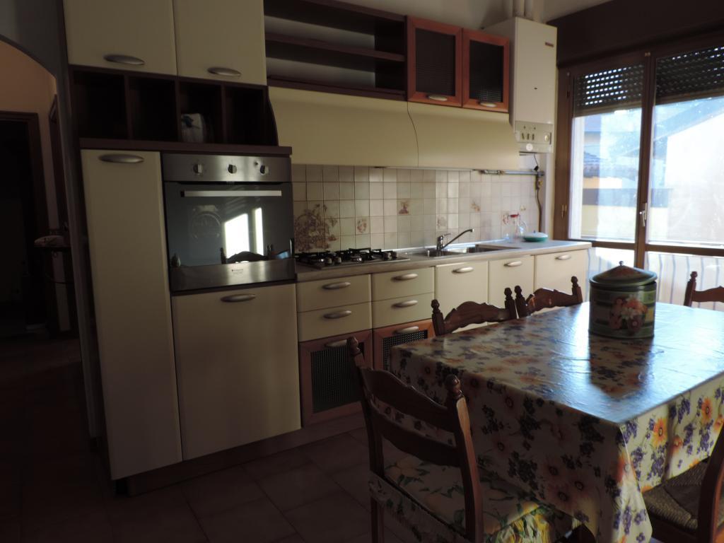 Appartamento in vendita a Cisano Bergamasco, 3 locali, prezzo € 59.000 | Cambio Casa.it