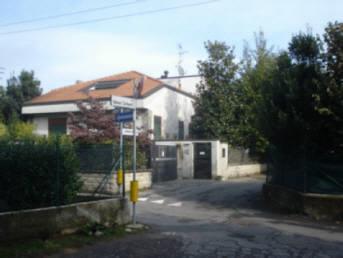 Villa in vendita a Sovico, 7 locali, zona Località: residenziale semicentrale, prezzo € 550.000 | Cambiocasa.it