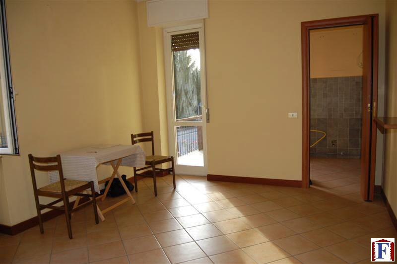 Appartamento in vendita a Pontida, 3 locali, zona Località: Centro, prezzo € 75.000 | Cambio Casa.it