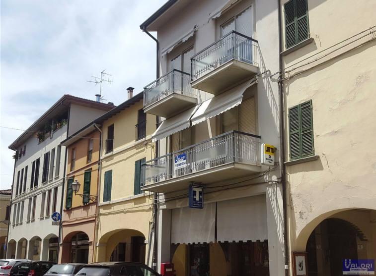 Soluzione Indipendente in vendita a Castel Bolognese, 4 locali, zona Località: CENTRO STORICO, prezzo € 215.000 | CambioCasa.it