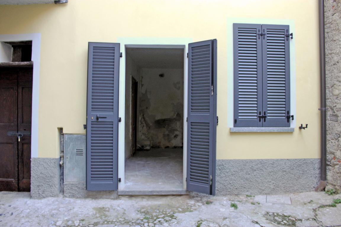 Bilocale Mandello del Lario Via Montello 21 9