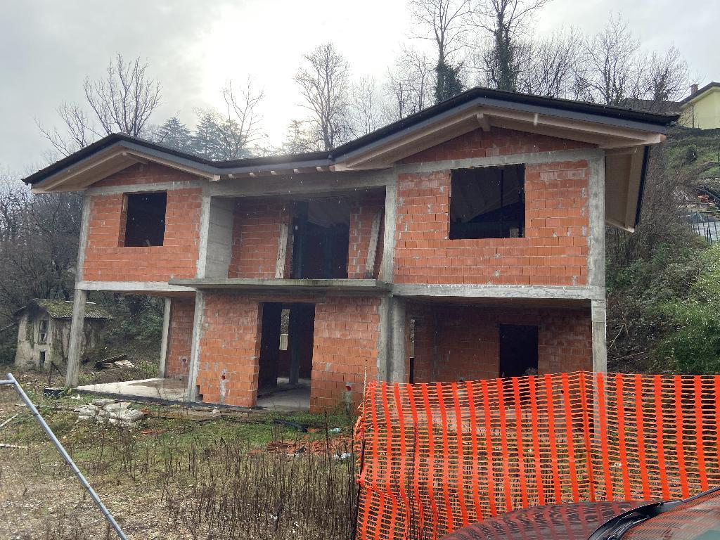 villa gavirate vendita    byblos real estate