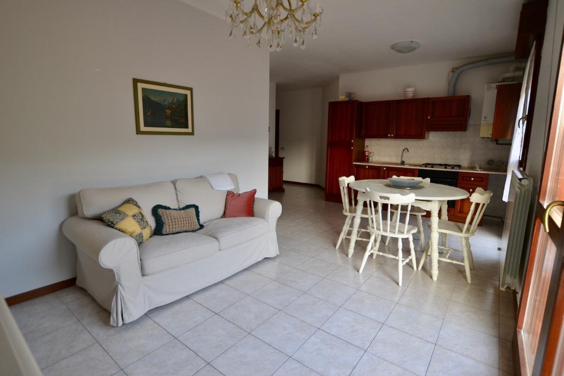 Appartamento in affitto a Caprino Bergamasco, 2 locali, prezzo € 430   CambioCasa.it