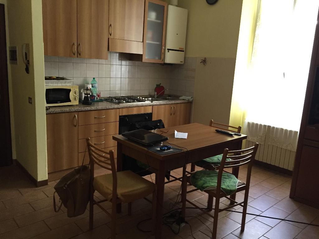 Appartamento in affitto a Calolziocorte, 2 locali, zona Località: centro, prezzo € 370 | CambioCasa.it