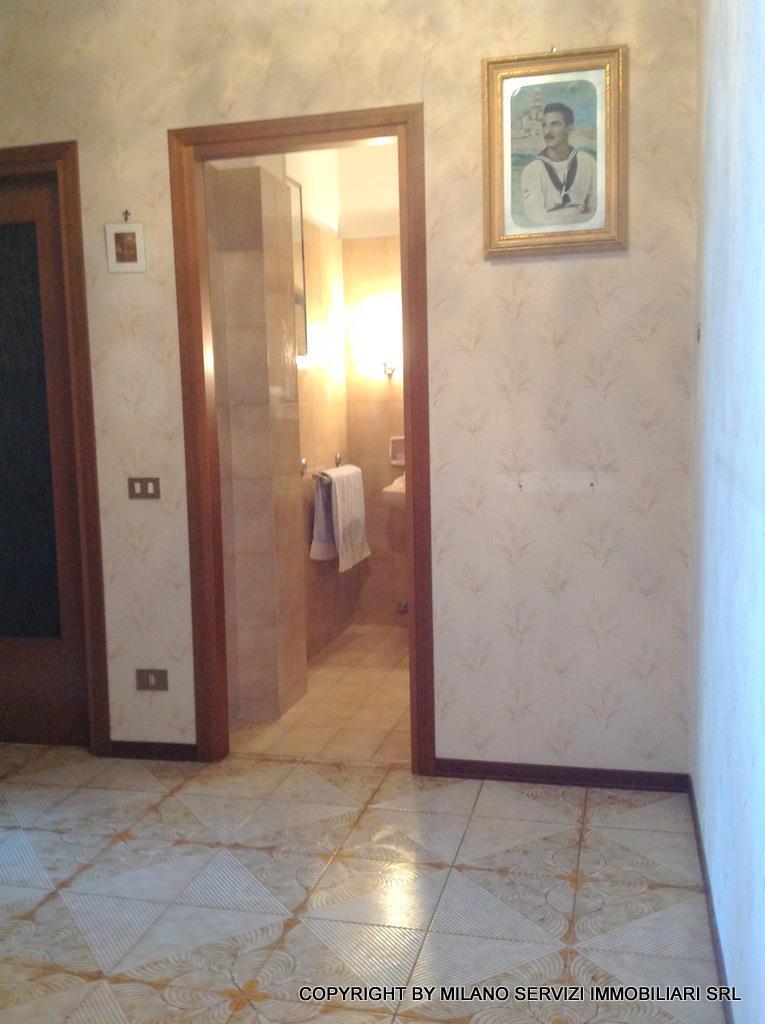 Bilocale Milano Via Guicciardi 6 4
