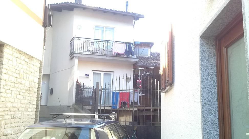 Appartamento in vendita a Pasturo, 4 locali, zona Località: Loc. Baiedo, prezzo € 135.000 | Cambiocasa.it