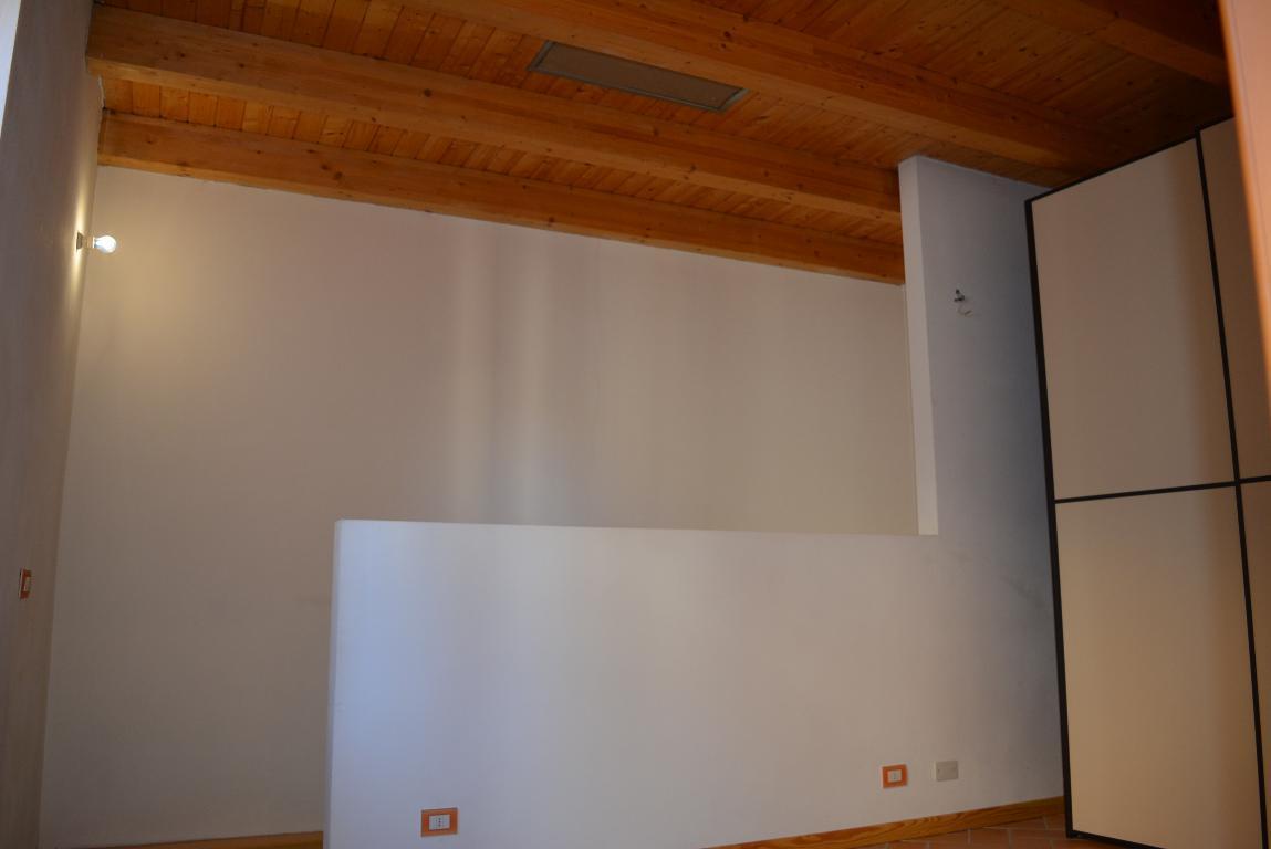 Bilocale Missaglia Via Alpi 19 6