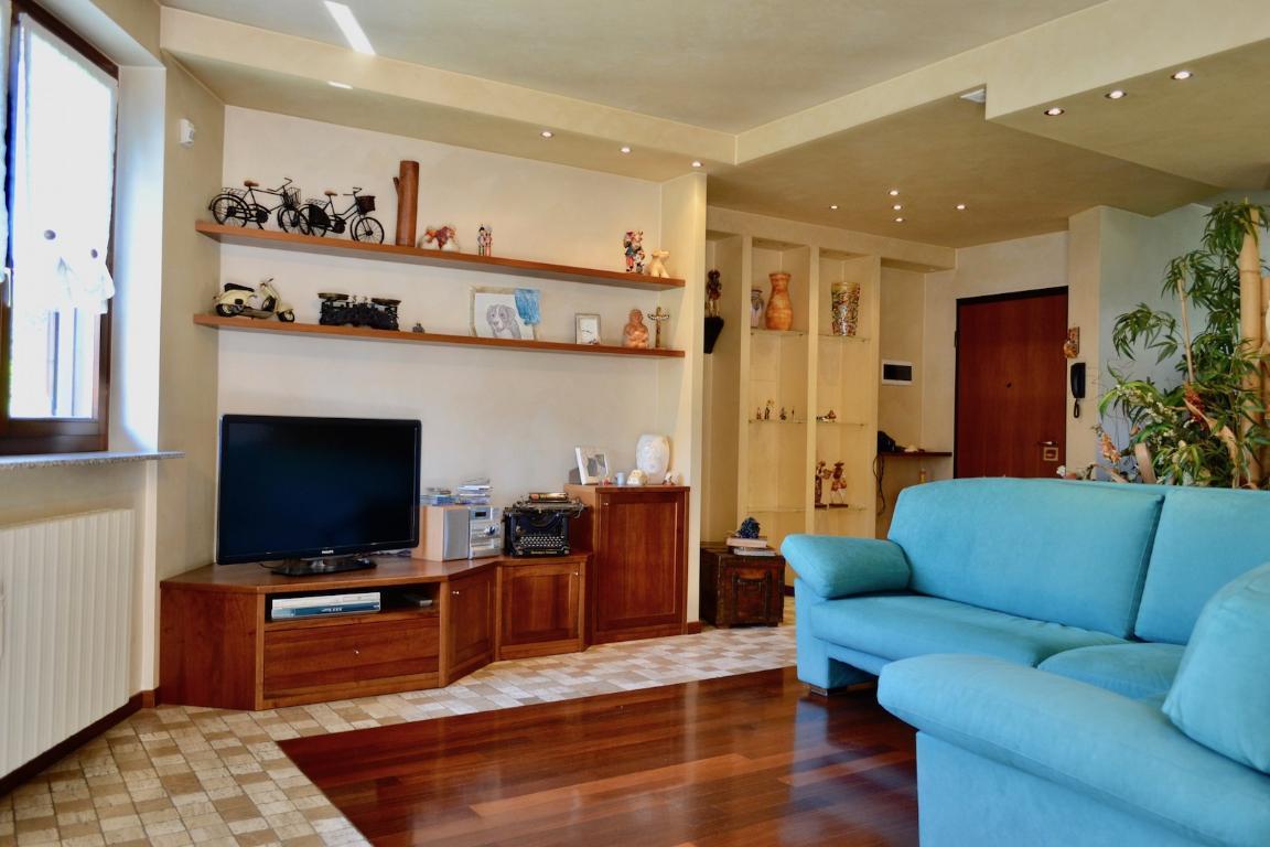 Appartamento in vendita a Pontida, 3 locali, prezzo € 185.000 | CambioCasa.it