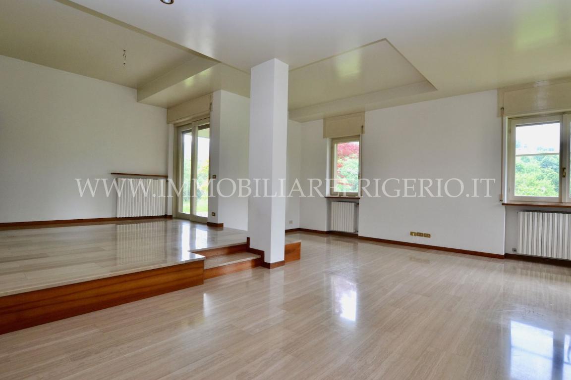 Affitto villa singola Cisano Bergamasco superficie 400m2