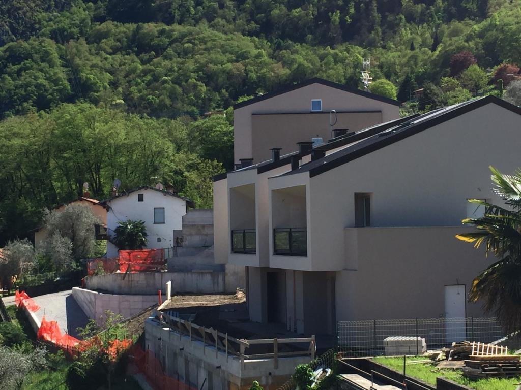 Appartamento in vendita a Oliveto Lario, 2 locali, prezzo € 175.000 | Cambio Casa.it