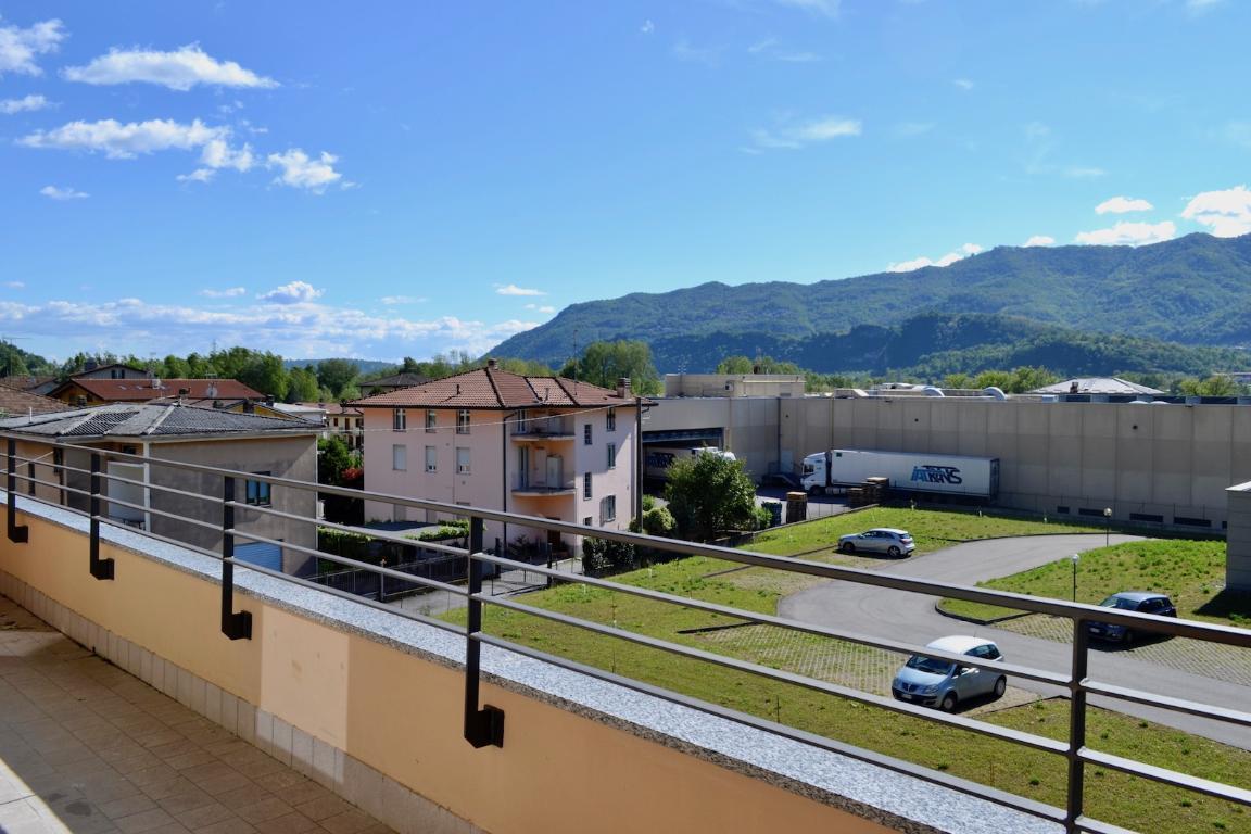 Appartamento in vendita a Calolziocorte, 3 locali, zona Zona: Sala, prezzo € 225.000 | CambioCasa.it