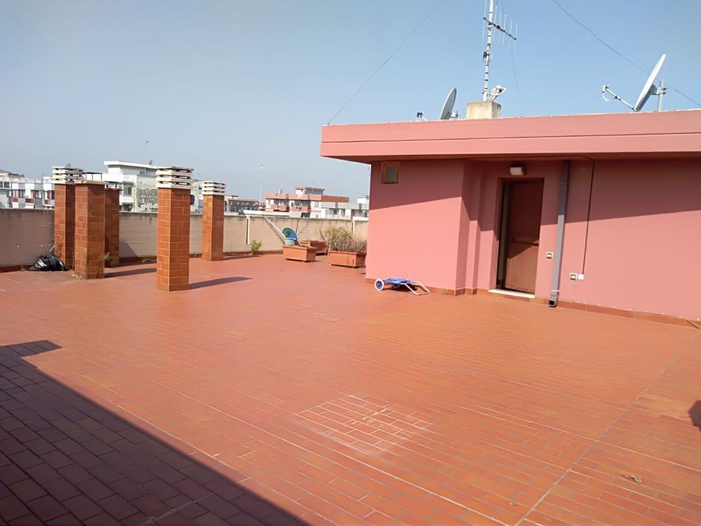Appartamento, VIA MICHELE TROISI, Vendita - Bari (Bari)