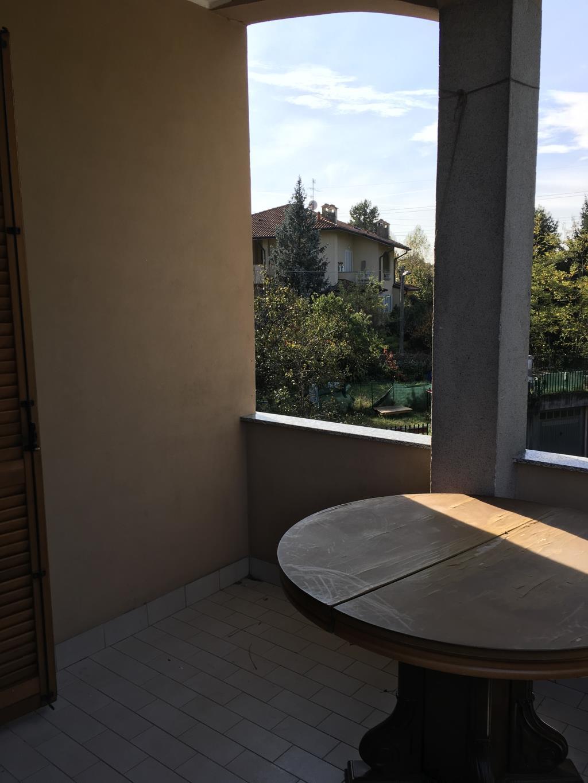Appartamento in affitto a Arcore, 2 locali, zona Località: boschi, prezzo € 650 | CambioCasa.it