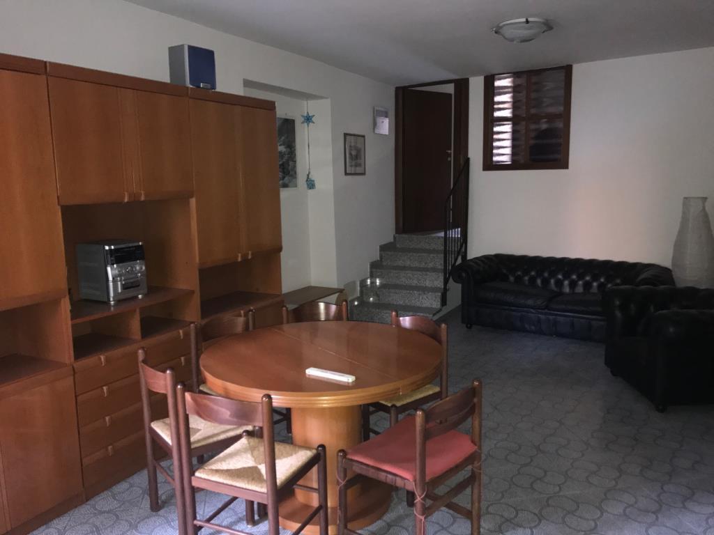 Appartamento in affitto a Lecco, 2 locali, prezzo € 500 | CambioCasa.it