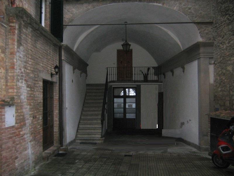 Bilocale Volterra Via San Lino 7