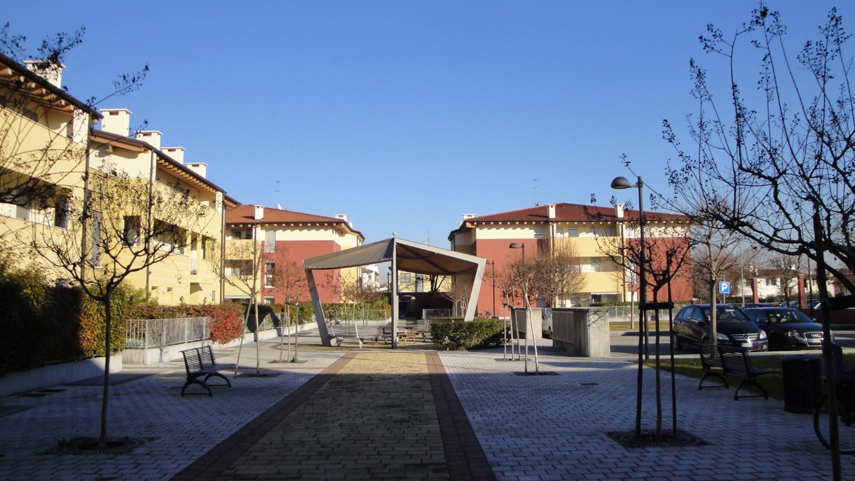 Bilocale Cassola Via Silvio Pellico 8